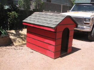 DOG HOUSE , LARGE