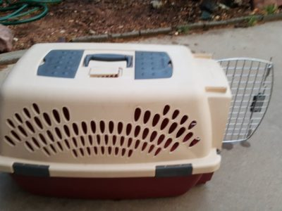 Petmate dog/cat carrier 24 inch