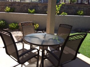 Patio 5-pc table and chairs set